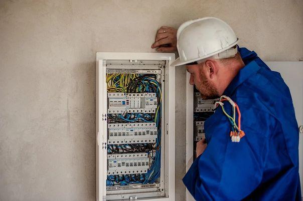 С 3 августа начнется массовое отключение электричества