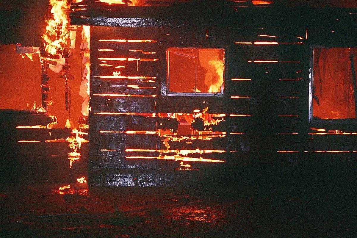 Бийчанин получил 12 лет колонии строгого режима за попытку сжечь дом с детьми