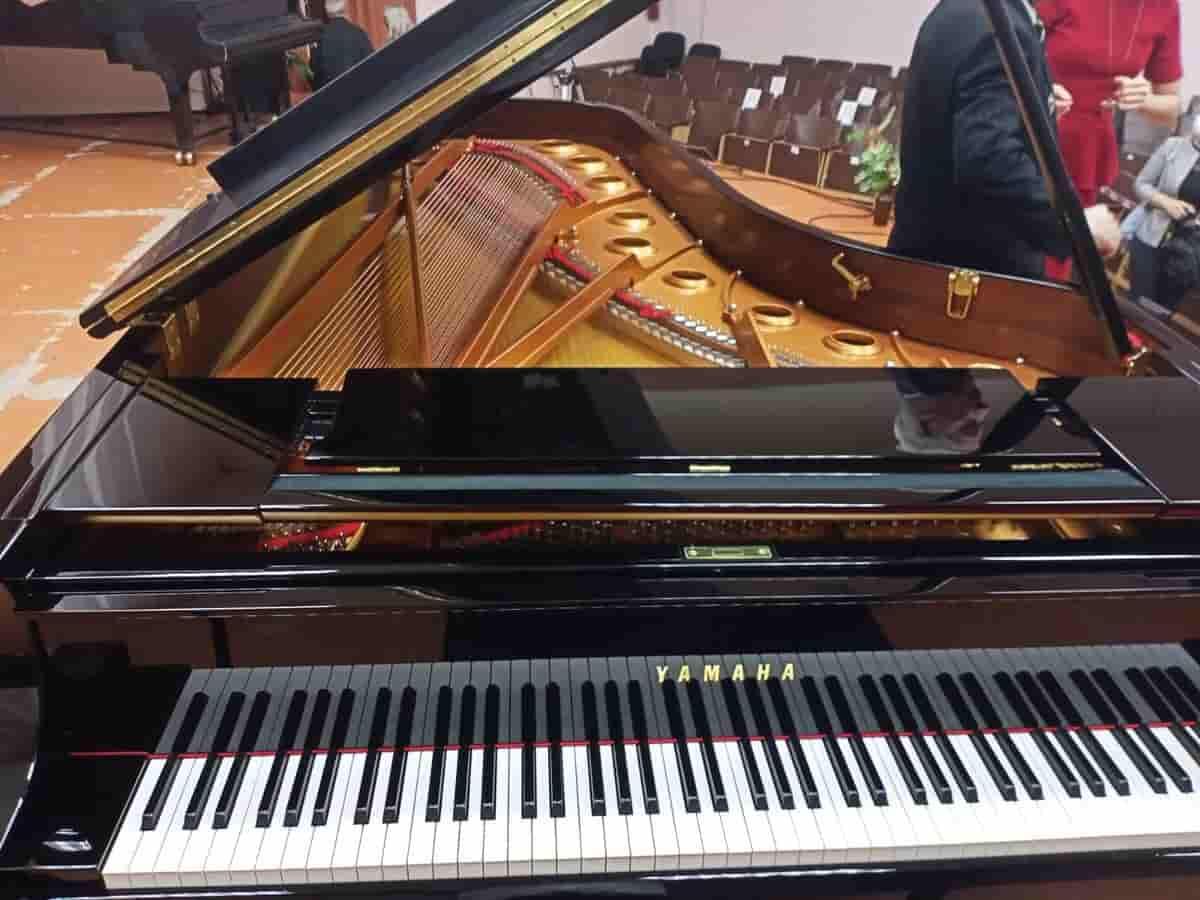 В музколледже презентовали виртуальный концертный зал и новый рояль