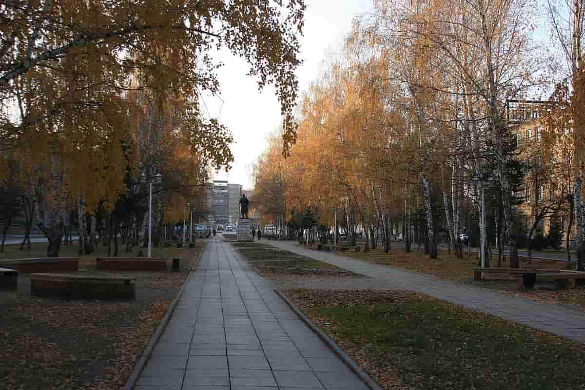 Памятник Ленину на Площади 9 Января со временем тоже обновят