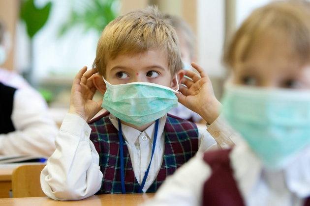 Простуженных детей не будут пускать в школы и детсады