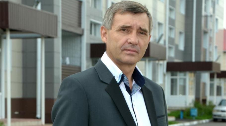 Недавно сложивший полномочия Александр Казаков попробует вернуться в Думу Бийска