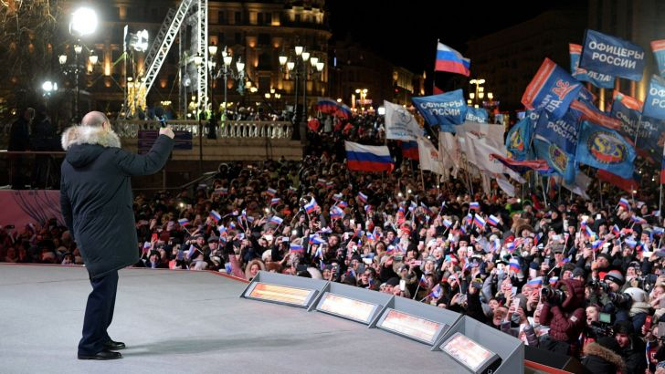 По итогам подсчета 99,9 % голосов, Владимир Путин побеждает с рекордным результатом — 76,6 %