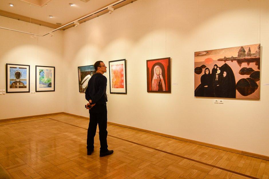 14 июня в Бийске стартует международный выставочный проект «Крестный путь»