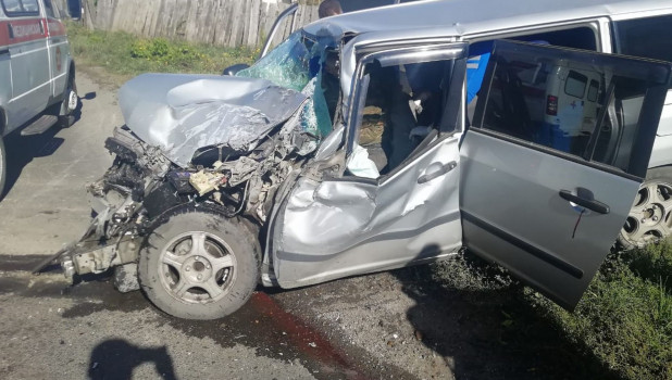 Вчера в жуткой аварии пострадали три человека