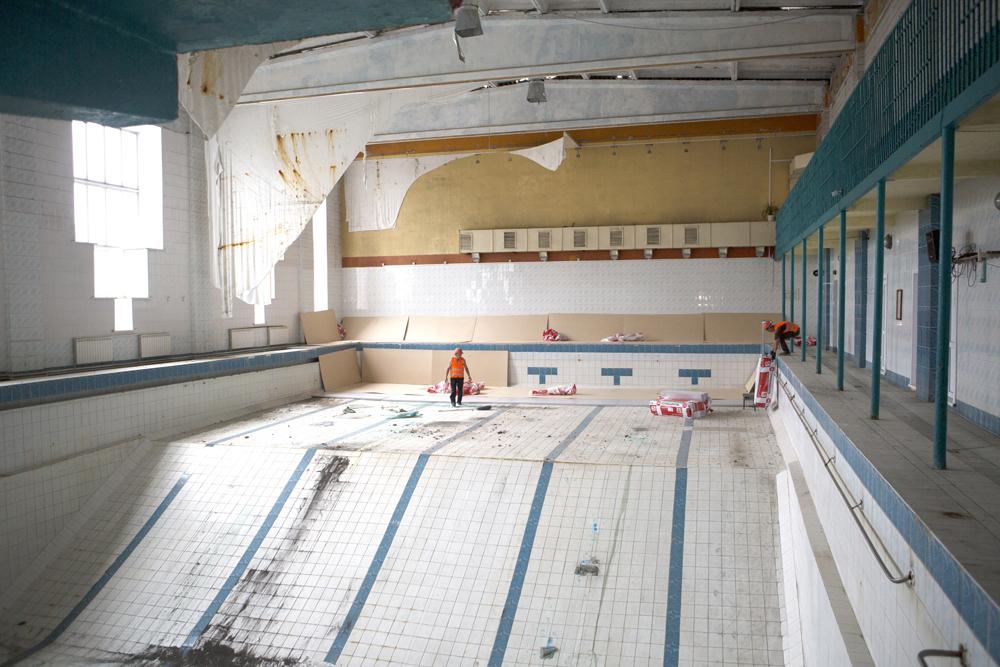 """Завершение ремонта бассейна """"Дельфин"""" отложено на третью декаду декабря"""