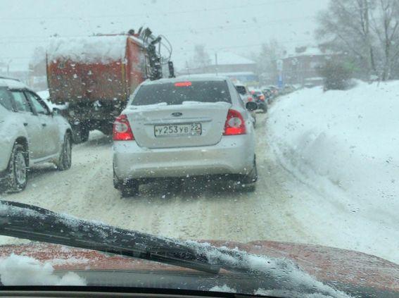 Ситуация на дорогах города и края из-за снежных осадков