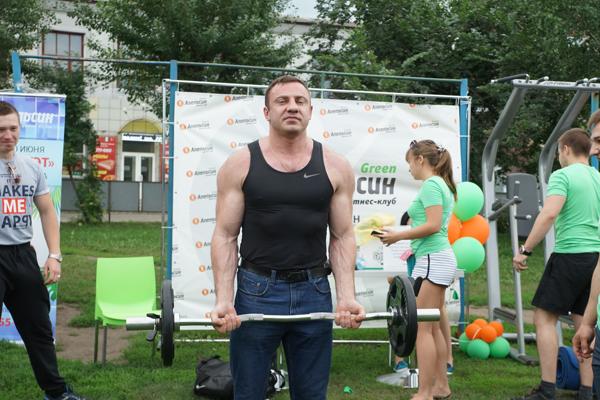 В Бийске состоялись соревнования по армрестлингу и армлифтингу в честь Дня города