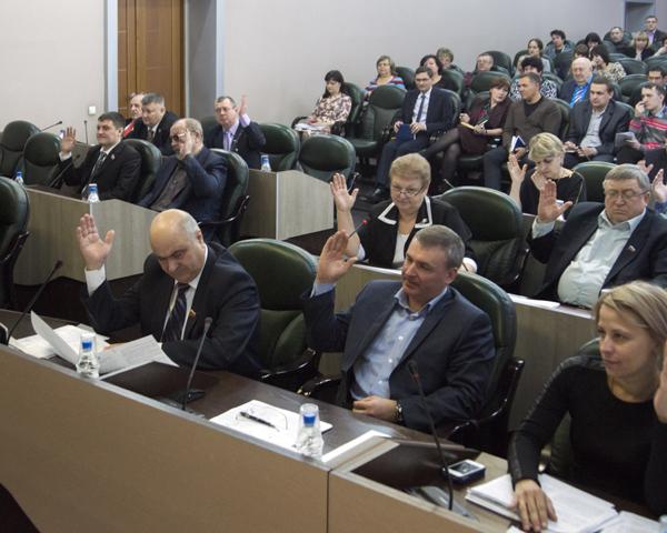Бийская фракция «Единой России» может потерять большинство в Думе из-за внутреннего конфликта