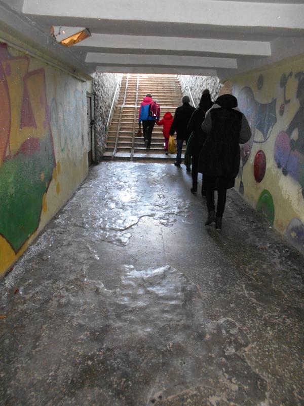 Бийчане жалуются на запущенное состояние подземного перехода на переулке Коммунарском