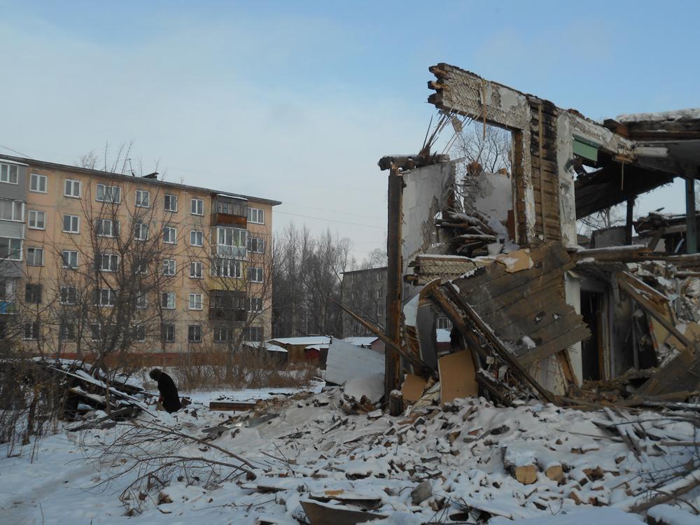 Снести и доремонтировать: мэрия рассказала о планах по аварийным домам на улице Разина