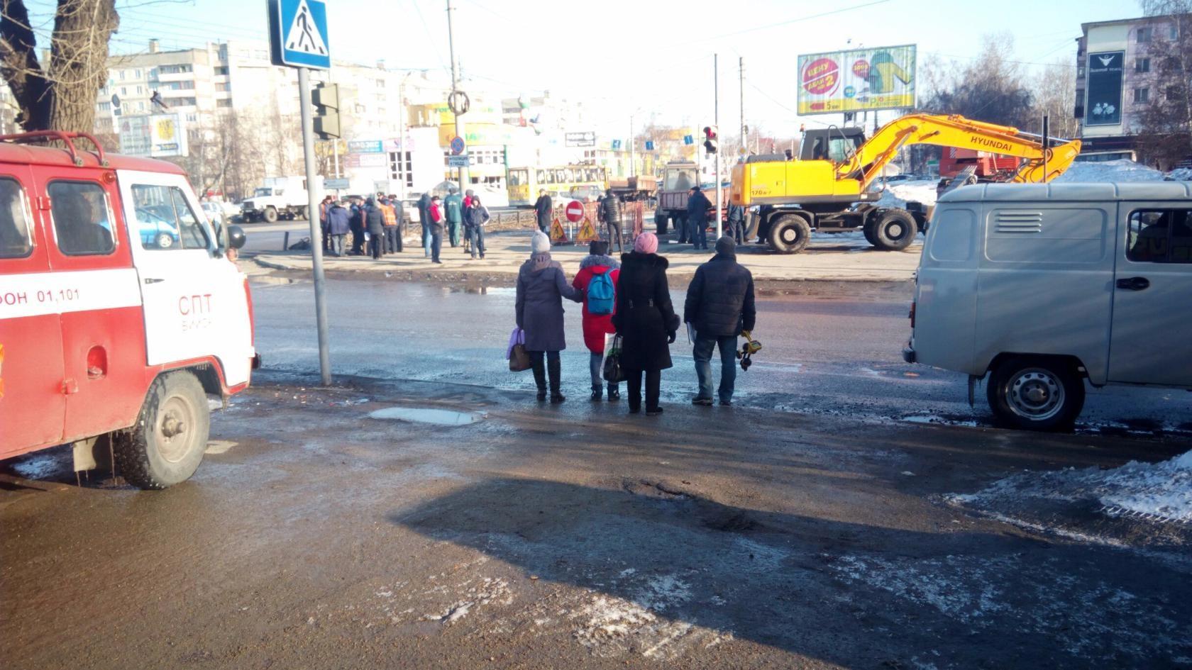 В центральной части Бийска произошел порыв тепломагистрали