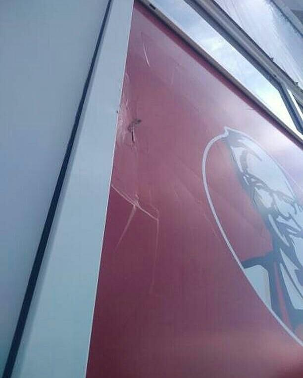 Еще не открывшийся ресторан KFC в Бийске пострадал от вандалов