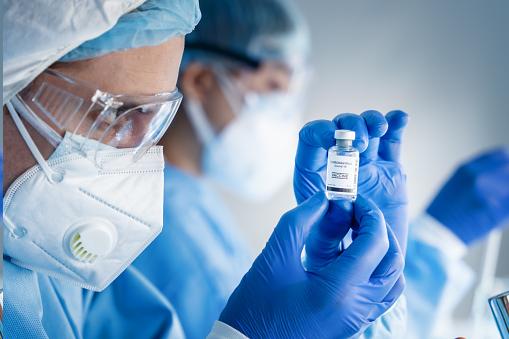 В России завершается первая фаза испытаний лекарства от коронавируса