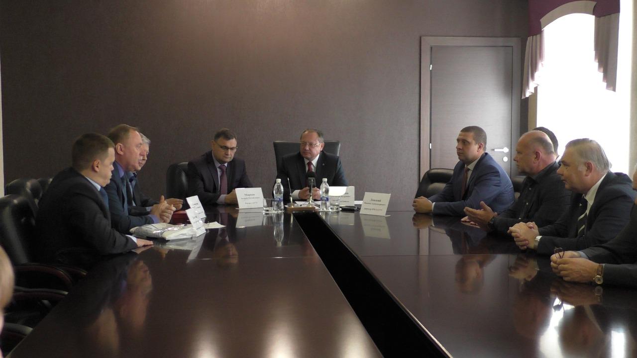 Глава Бийска подписал соглашение о сотрудничестве города с АлтГТУ