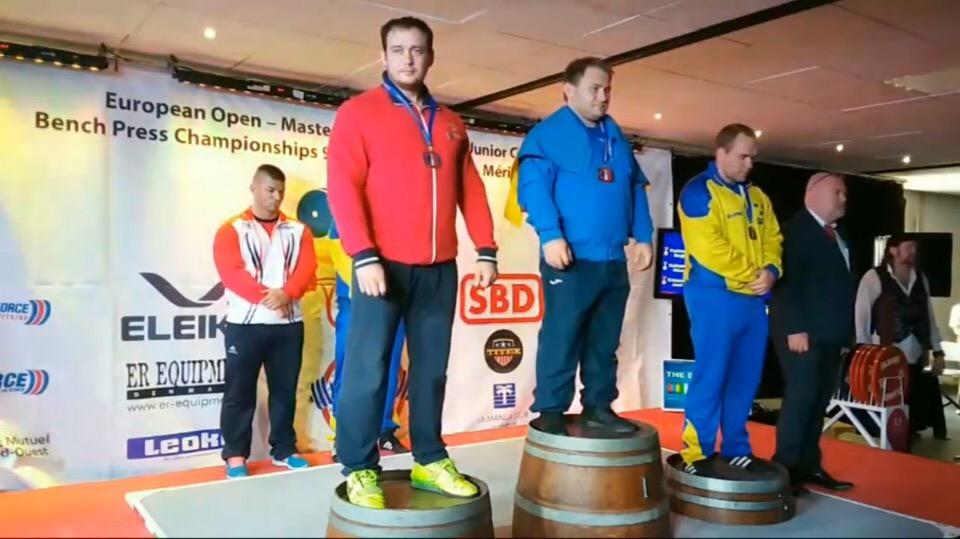 Алексей Кудрявцев из Бийска завоевал серебро на Чемпионате Европы по классическому жиму