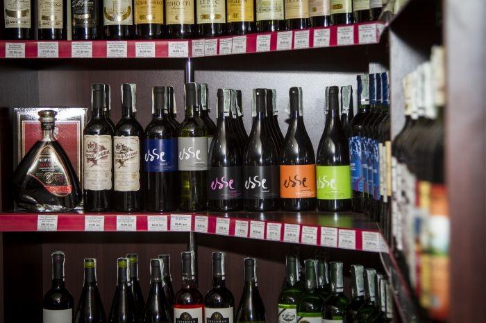 Число алкогольных магазинов в России могут сократить