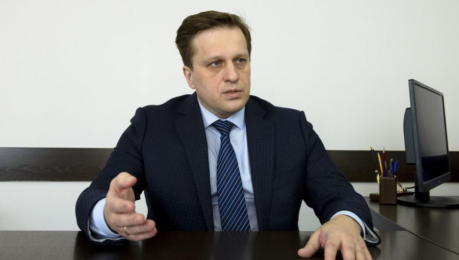 Дмитрий Попов: Средняя зарплата врачей в Алтайском крае — около 53 тысяч рублей