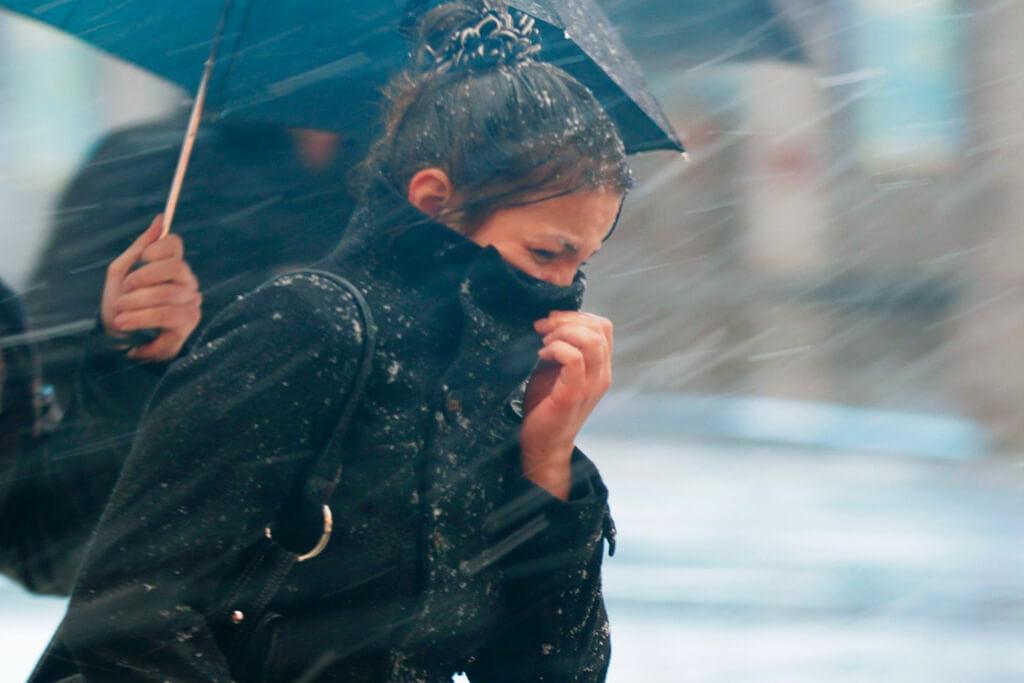 Резкое похолодание и штормовой ветер прогнозируют синоптики края на 10 февраля