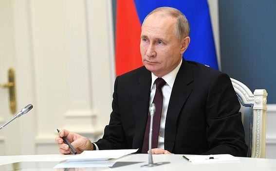 Владимир Путин впервые подробно ответил на вопрос, когда он будет ставить вакцину от  коронавируса