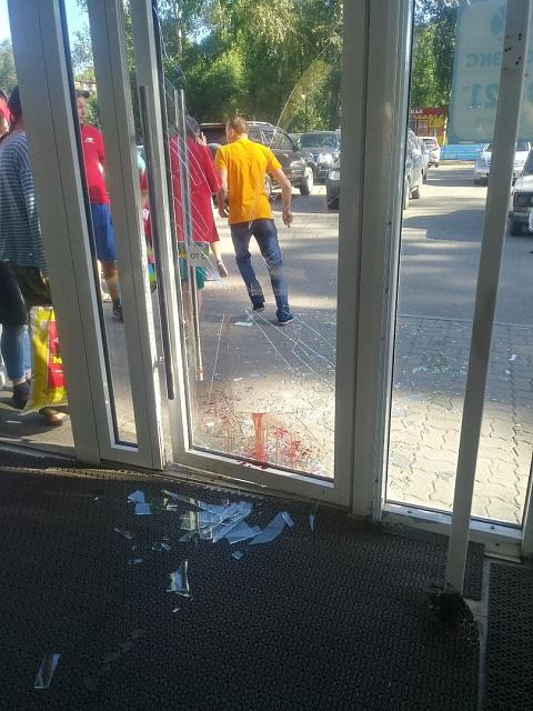 Из-за ссоры с женой нетрезвый бийчанин разбил дверь в «Мария-Ра»