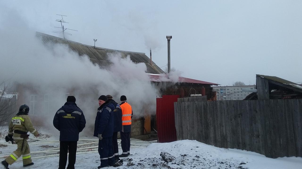 На улице Крайней семья отравилась угарным газом
