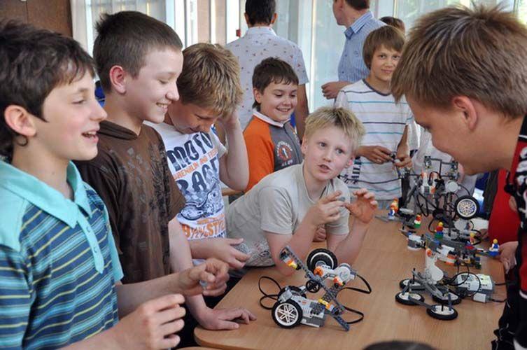 С сентября детям в Бийске будут выдавать сертификаты на кружки