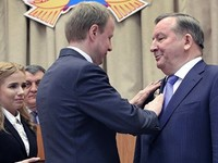 Сенатором от Алтайского края станет бывший глава региона Александр Карлин