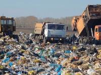 Премьер-министр Дмитрий Медведев обязал регионы пересмотреть цены на вывоз мусора в течение трех месяцев