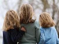 Госдума приняла в решающем чтении закон, упрощающий зачисление братьев и сестер в одну школу