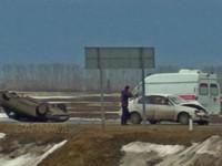 В массовой аварии на бийской трассе пострадали два человека