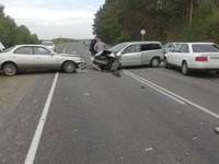 Авария с участием трех автомобилей произошла на трассе Бийск—Белокуриха