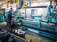 Новые рабочие места появляются в основном в промышленности