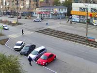 На улице Васильева запретят ночную парковку автомобилей в «карманах»