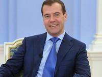Дмитрий Медведев потребовал проверить сведения о росте цен на бензин в Сибири