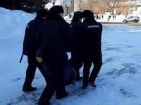 На несанкционированном митинге 31 января в Бийске было задержано 3 человека