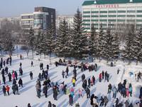 На следующей неделе начнется установка новой искусственной ели на Петровском Бульваре