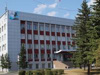 Бийские депутаты озабочены медленным ремонтом крыши на здании администрации