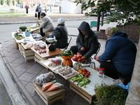 Администрация Бийска пресекла уличную торговлю на переулке Мопровском