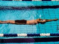 Президент поручил включить плавание в систему образования