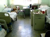 Не от хорошей жизни: Санитарка крала деньги у пациентов больницы