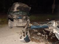 """""""Лада"""" и """"Жигули"""" столкнулись сегодня ночью, пострадали семь человек"""