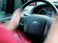 Автомобили, собранные в России, будут вибрировать при нарушении ПДД
