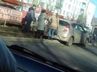 Из-за приступа эпилепсии водитель на улице Васильева съехал на рельсы