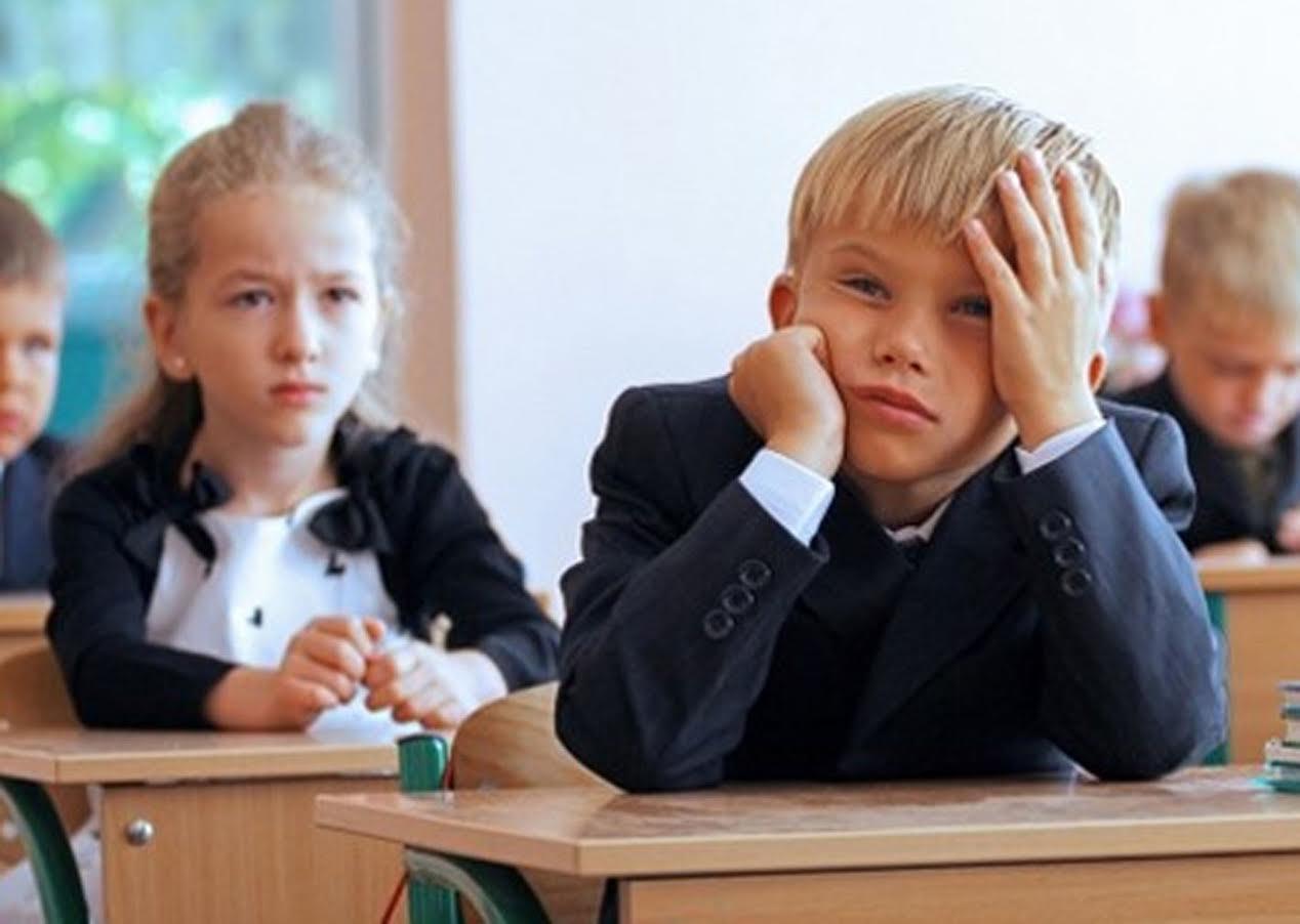 Из-за новых предметов, многим школам Алтайского края придется вновь переходить на шестидневную неделю обучения