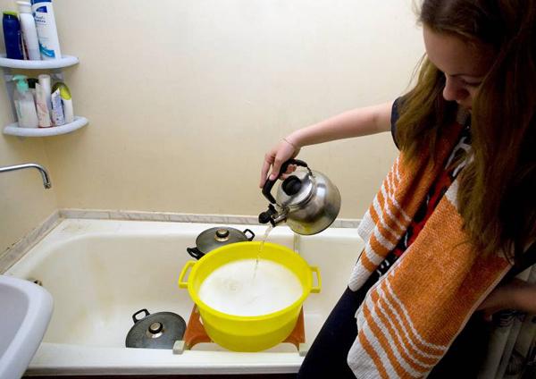 Горячую воду отключат позже из-за холодов